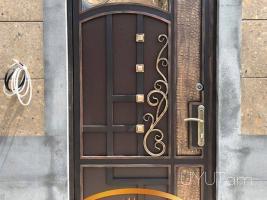 Ընդունվում են դարբնագործ դռների պատվերներ