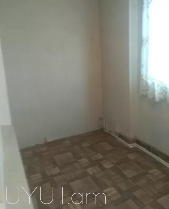 HRATAP bnakran Moldovakan poxocum 9 / 8hark 44qm kod 725