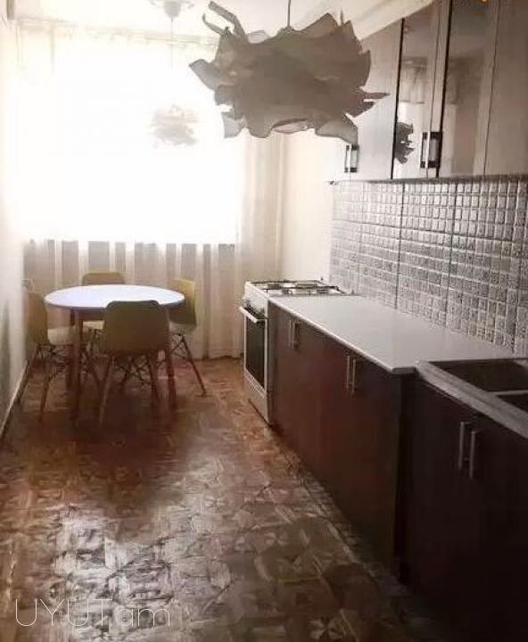 Վարձով 2 սենյականոց բնակարան Բաղրամյան փողոցում