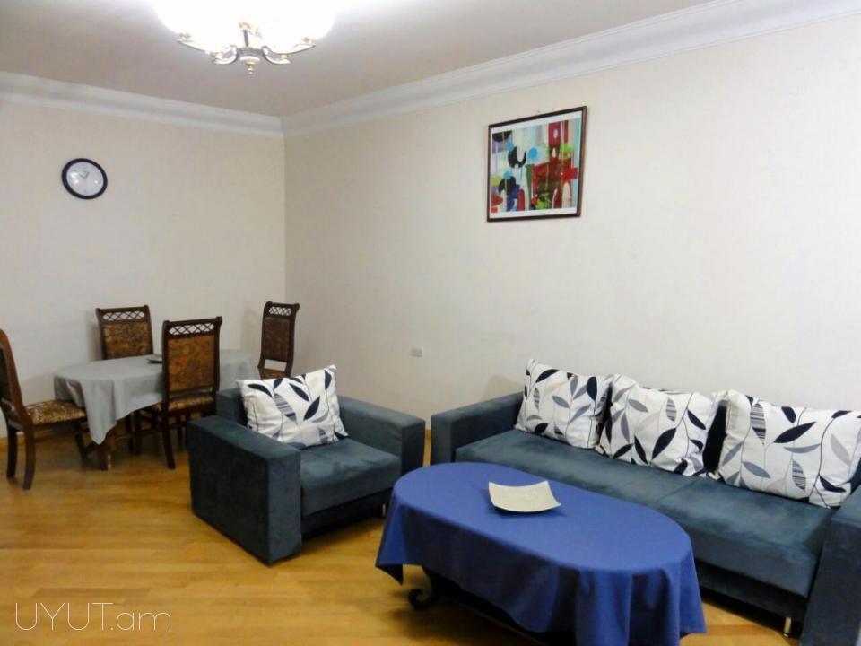 Կենտրոն Աբովյան փողոց, 2-րդ գիծ, 2 սենյականոց օրավարձով բնակարան