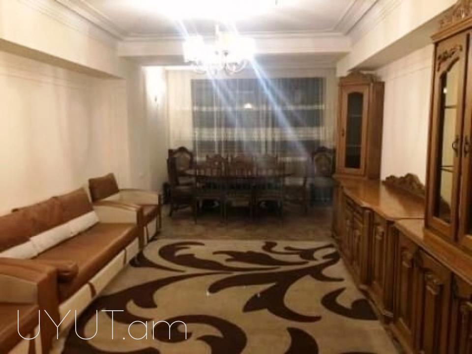 Վարձով 3 սենյականոց բնակարան Նար–Դոսի փողոցում