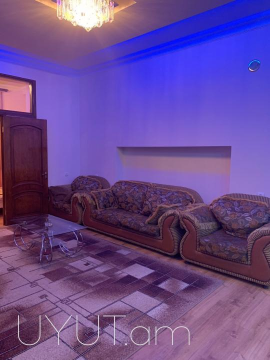 Օրավարձով 3 սենյակ Մոսկովյան փողոցում 3-րդ հարկ