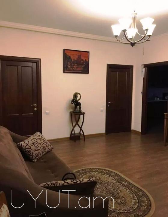 4 սենյականոց վարձով բնակարան Արամի փողոցում, 4րդ հարկ