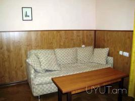 Կենտրոն Դեմիրճյան փողոց, 1 սենյականոց վարձով բնակարան, 3րդ հարկ