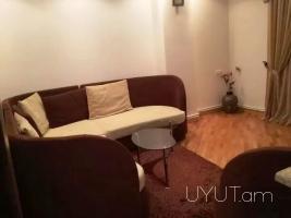2 սենյականոց վարձով բնակարան Վարդանանց փողոցում, Բոքսի բակ, Կենտրոն, 3րդ հարկ