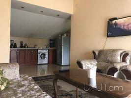 2 սենյականոց վարձով բնակարան Մաշտոց- Թումանյան խաչմերուկում, մանսարդային հարկ, 6րդ հարկ