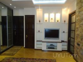 3 սենյականոց վարձով բնակարան Ամիրյան փողոցում, նորակառույց, Կենտրոն, 9րդ հարկ