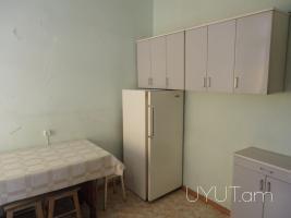 1 սենյականոց վարձով բնակարան Մոսկովյան փողոցում, Կենտրոն, 2րդ հարկ