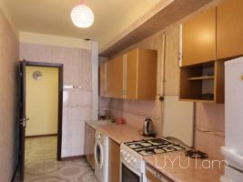 Օրավարձով բնակարան Վարդանանց փողոցում, 3 սենյակը ձևափոխած 4-ի, 2րդ հարկ