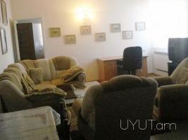 2 սենյականոց վարձով բնակարան Սարյան Պուշկին խաչմերուկի մոտ, նորակառույց, 4րդ հարկ