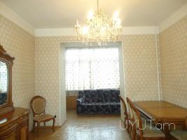 3 սենյականոց վարձով բնակարան Սայաթ-Նովա պողոտայում, կենտրոն, 2րդ հարկ