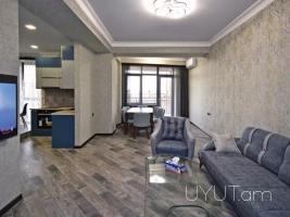 4 սենյականոց վարձով բնակարան Վարդանանց Խանջյան խաչմերուկում, Կենտրոն, 5րդ հարկ