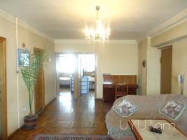 3 սենյականոց բնակարան Երվանդ Քոչար փողոցում, կենտրոն