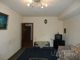2 սենյականոց օրավարձով բնակարան Ամիրյան Մաշտոց խաչմերուկում, կենտրոն, 4րդ հարկ