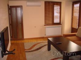 2 սենյականոց վարձով բնակարան Ամիրյան Մաշտոց Խաչմերուկի մոտ, 7րդ հարկ