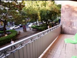 3 սենյականոց վարձով բնակարան Աբովյան փողոցում, կենտրոն, 1-ին հարկ