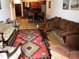 Կենտրոն Բուզանդ փողոց 3 սենյականոց վարձով և օրավարձով բնակարան, նորակառույց
