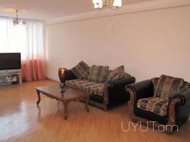 2 սենյականոց բնակարան Պարոնյան փողոցում, կենտրոն 83մք