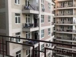 Ռոստոմի 29 հասցեում 3 սենյականոց բնակարան, Կենտրոն, 134մք