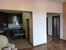 Խանջյան փողոց, կենտրոն, 3 սենյականոց վարձով բնակարան