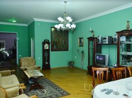 Կենտրոն վարձով 5 սենյականոց բնակարան Թումանյան փողոցում