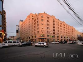 2 սենյականոց վարձով բնակարան Ամիրյան փողոցում, 11րդ հարկ