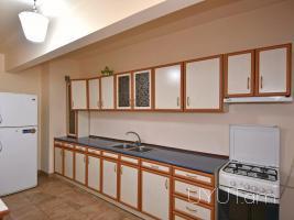 3 սենյականոց վարձով բնակարան Ամիրյան փողոցում, 4րդ հարկ