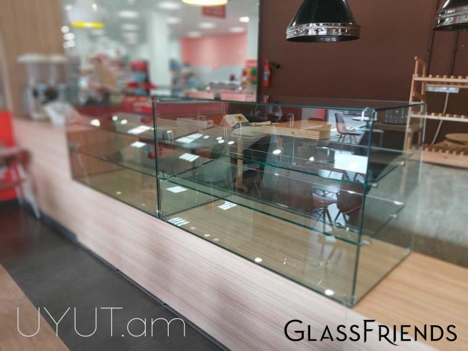 Պահարաններ և ցուցափեղկեր - Glassfriends